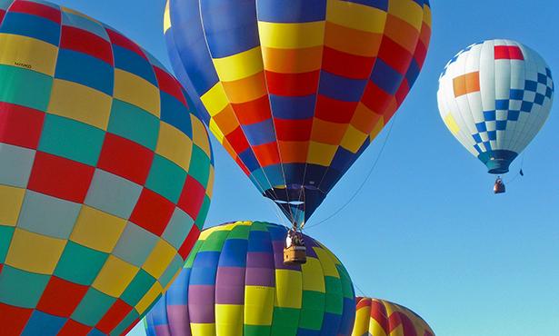 [hot air balloons]