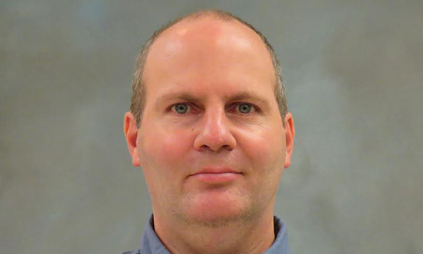 Dr. Daryl Meling is a postdoctoral fellow in the Department of Comparative Biosciences and has worked with the College for 11 years.